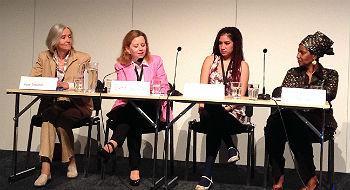 Panelistit Aase Smedler, Gréta Gunnarsdóttir, Luisa Emilia Reyes Zúñiga ja Phumzile Mlambo-Ngcuka löysivät yhteisiä näkemyksiä vuoden 2015 jälkeisen kehityksen suunnasta.