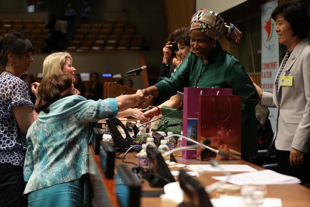 Valtioiden johtajat kokoontuivat tekemään sitoumuksia naisten ja tyttöjen aseman vauhdittamiseksi omissa maissaan, jotta tasa-arvo saavutetaan vuoteen 2030 mennessä. (Kuva: UN Women/Sarah Stacke)