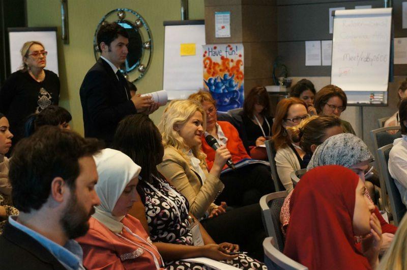 Kansainväliset ja paikallistason kansalaisjärjestöt sekä YK-järjestöt kohtasivat UN Womenin ja Oxfamin työpajassa Istanbulissa humanitaarisen kokouksen alla.  (Kuva: UN Women/John Bleho)