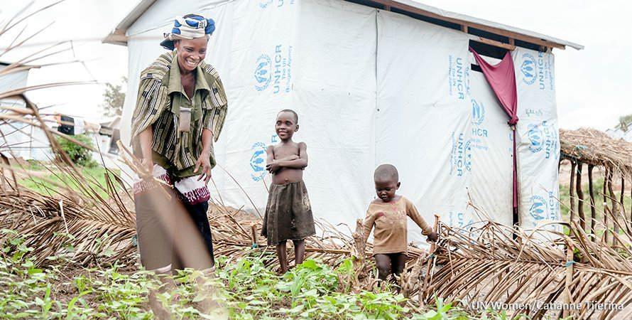 Vihannesten viljeleminen auttaa pakolaisleirin naisia huolehtimaan itsestään ja lapsistaan.