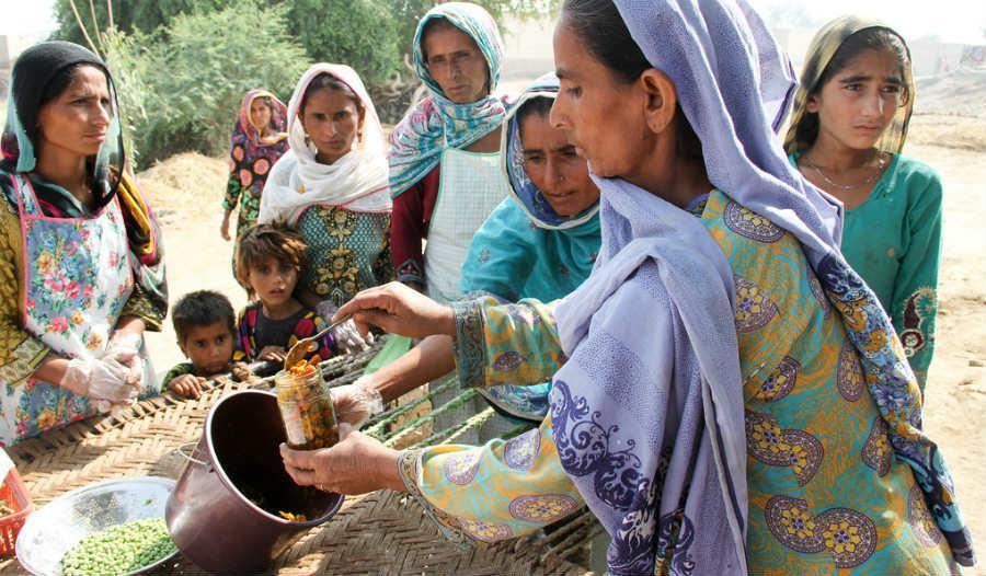 Naisten työ Sindhin maakunnassa edistää suoraan kestävän kehityksen tavoitetta nälän poistamisesta.