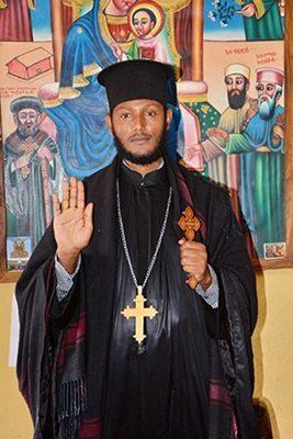 Kirkonmiehillä on suuri auktoriteetti Etiopiassa, jossa suuri osa kansasta tunnustaa ortodoksista uskontoa.