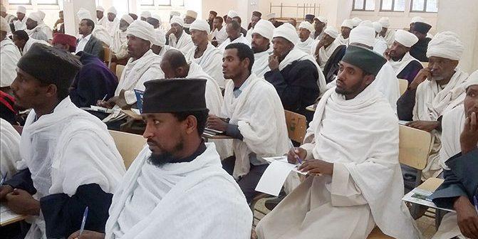 Uskonnolliset johtajat toimivat lapsiavioliittojen lopettamiseksi Etiopiassa.