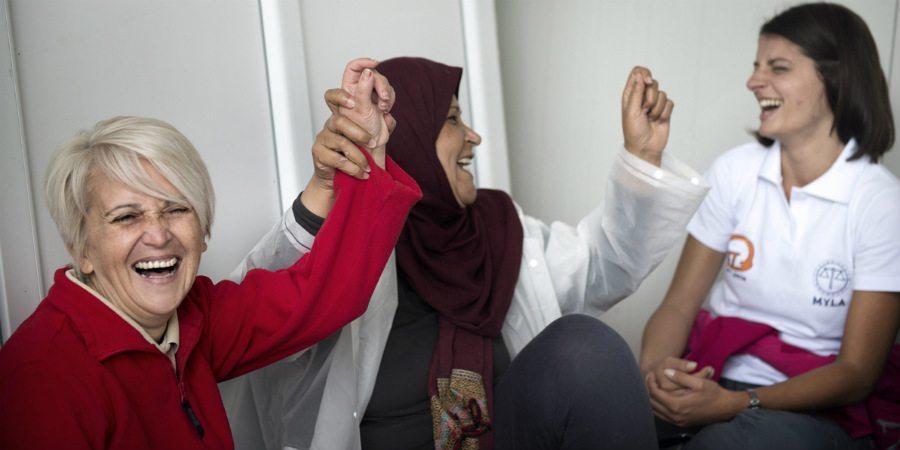 UN Womenin tuella naiset saavat apua sosiaalityöntekijöiltä, psykologeilta ja pakolaisten oikeuksiin perehtyneiltä lakineuvojilta. Naisten omassa tilassa on mahdollisuus myös käsitöihin, kokkaamiseen ja joogatunteihin.
