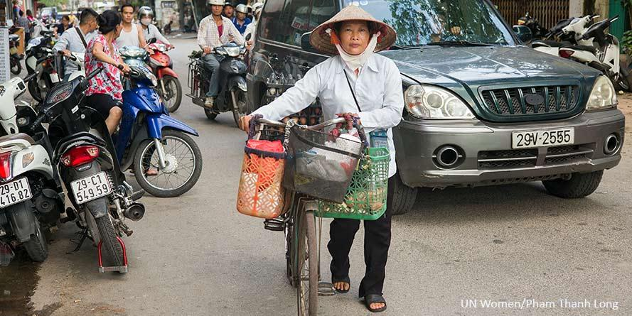 Vietnamin siirtotyöläisnaiset oppivat tuntemaan oikeutensa.
