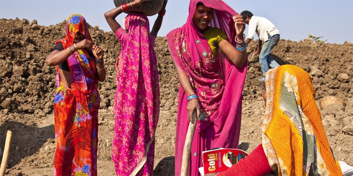 Naiset näyttävät kykynsä Intian työmailla