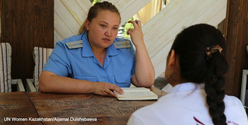 Väkivaltaa kokeneita naisia autetaan tehokkaasti Kazakstanissa