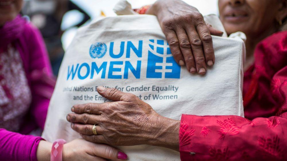 """Suomesta UN Womenin suurimpia tukijoita: """"pandemialla laajakantoisia seurauksia naisten asemaan eri puolilla maailmaa"""""""
