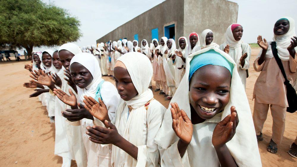Silpomisesta historiaa Sudanissa – UN Womenin pitkäjänteinen työ tuottaa tulosta