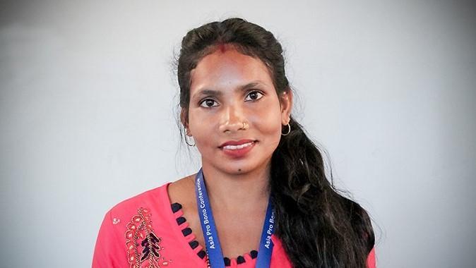 Kaushilla poltti 19-vuotiaana chhaupadi-vajan taistellakseen kuukautishäpeää vastaan – puolustaa nyt kastittomien naisten oikeuksia Nepalissa